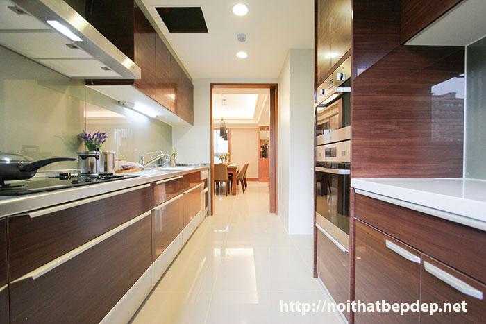 Tủ bếp inox màu vân gỗ