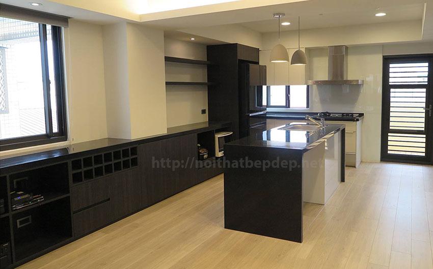 Tủ bếp với không gian lớn