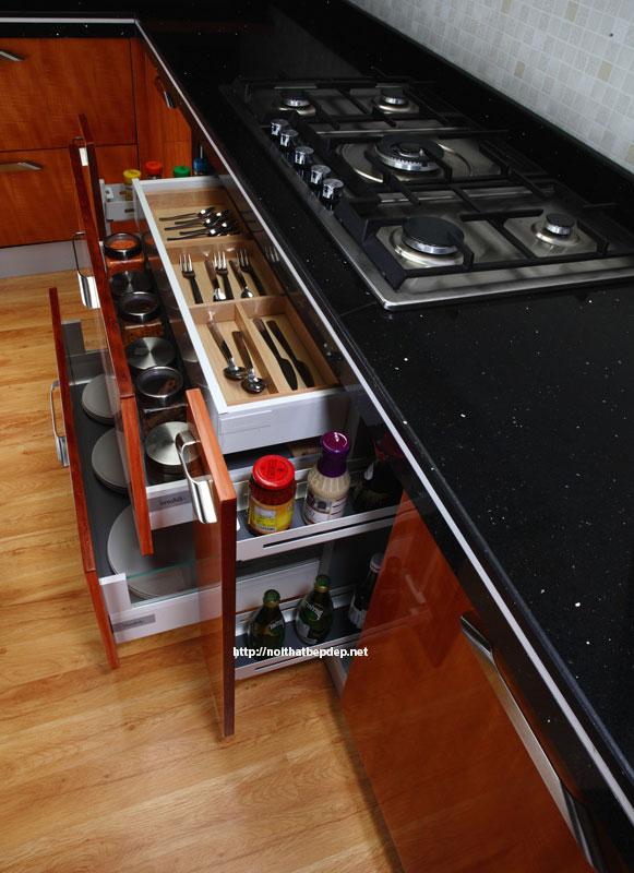 Ngăn kéo bếp