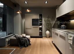 Tủ bếp và nội thất bếp màu xám
