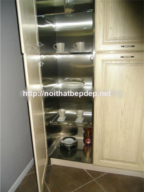 Bên trong tủ bếp inox cánh gỗ tự nhiên