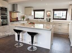 Tủ bếp inox Acrylic nano