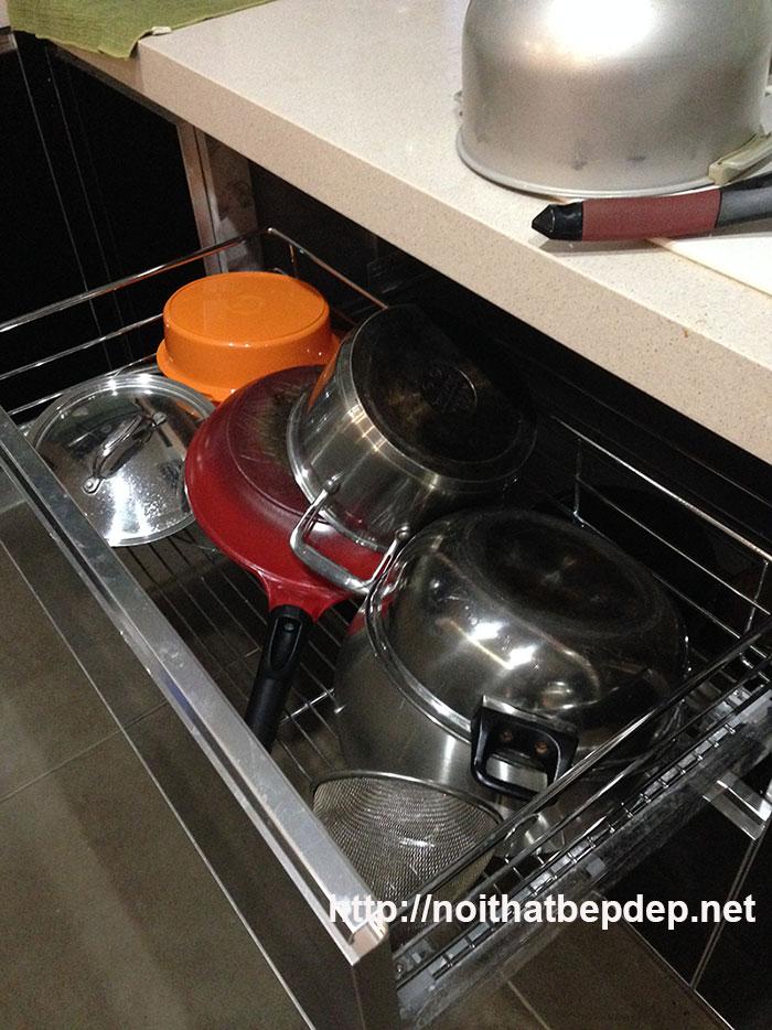 Tủ bếp bằng inox- ngăn kéo xong nồi ướt